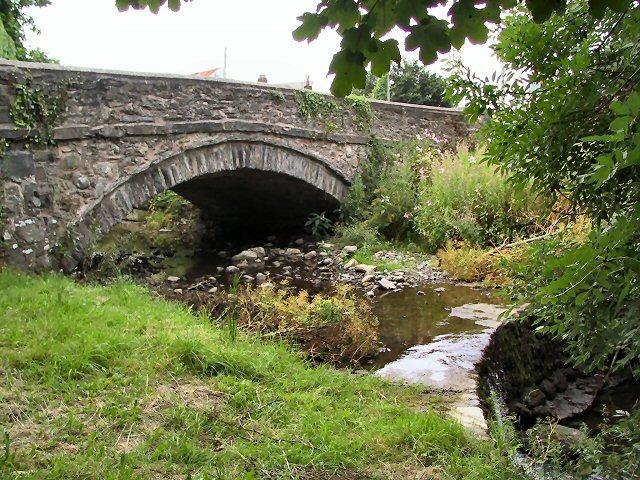 Fforddlas Bridge and Weir