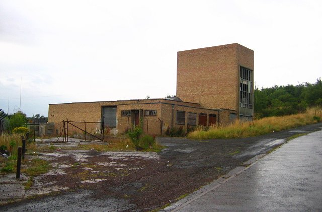 Derelict industrial building, Easthouses.