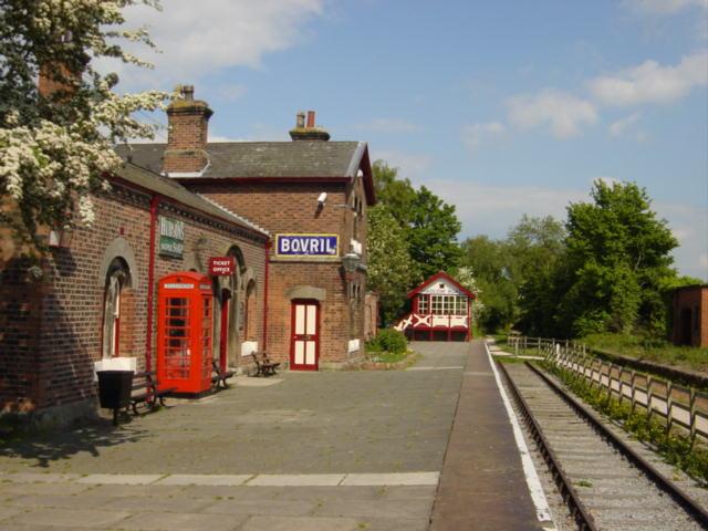 Hadlow Road Station, Willaston.