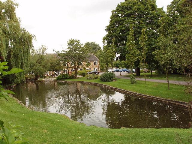 Nursing Home and pond, Saunderton