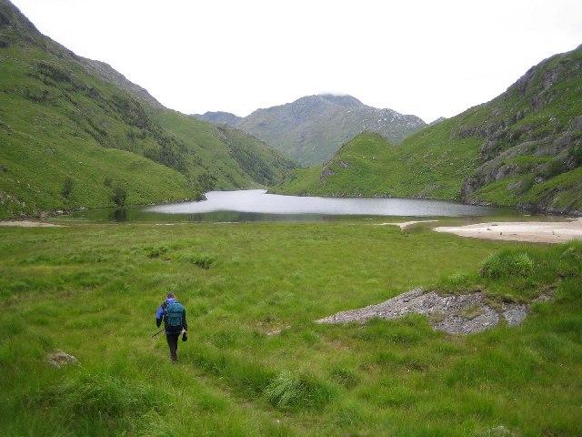 Lochan Nan Breac looking west