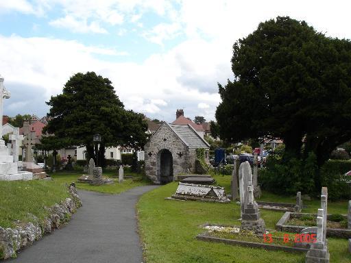 Churchyard at Llandrillo yn Rhos