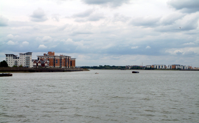 Gallions Reach (eastern end), Thames Estuary
