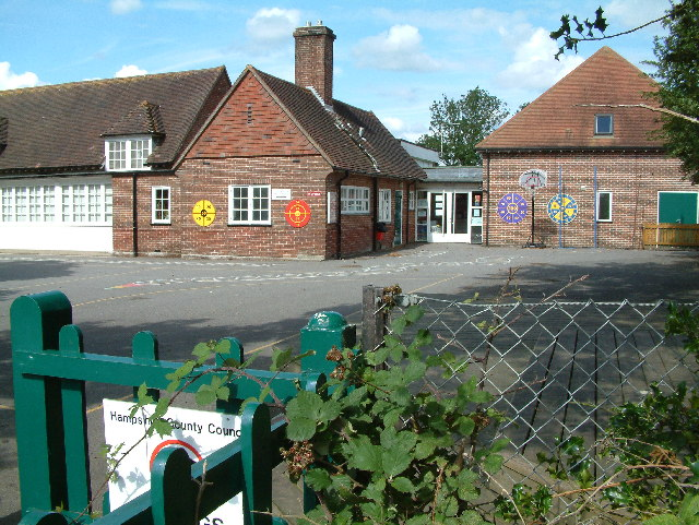 Tiptoe Primary School, Tiptoe, Hampshire