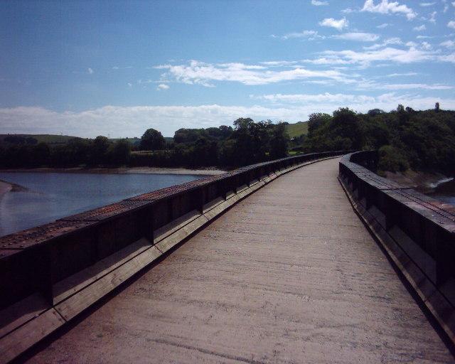 Tarka Trail using a disused railway bridge