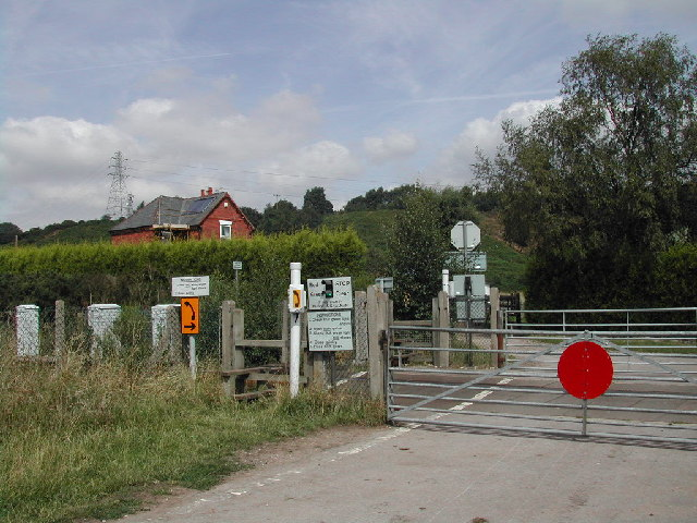 Level Crossing, Annesley Village