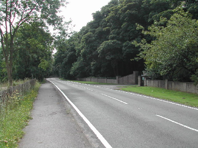 Gates to Newstead Village Cemetery