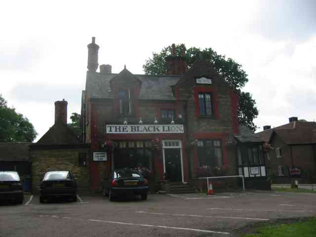 Black Lion Pub    Shenley.