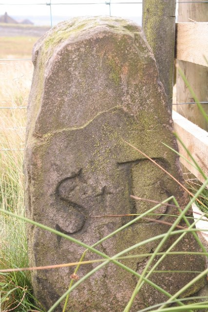 Boundary stone, Flints