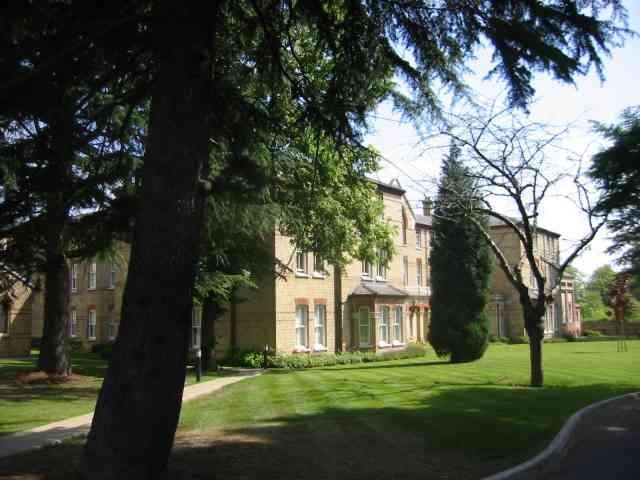 Leavesden Court , Woodside
