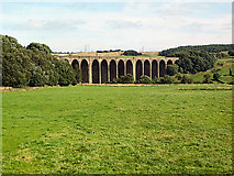 SE0735 : Hewenden Viaduct by David Spencer