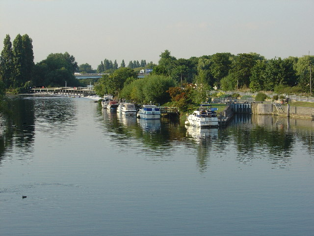 Chertsey Weir and Lock