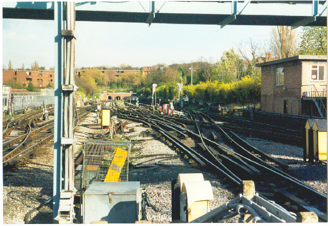 Golders Green Station