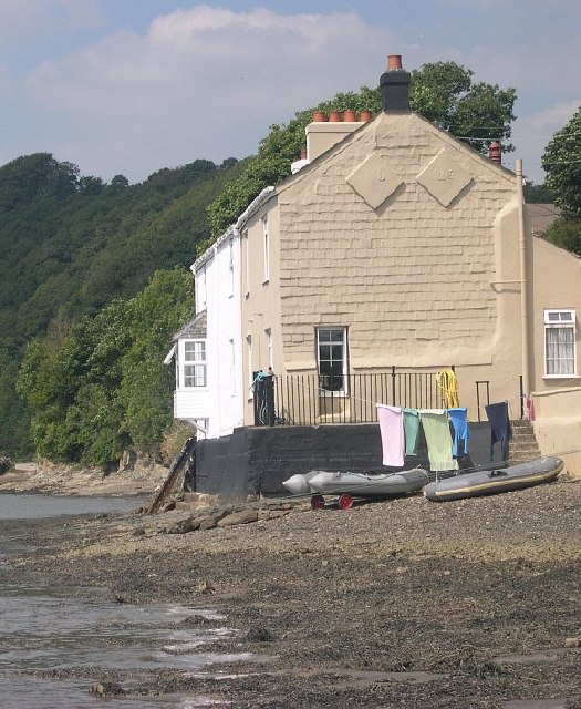 Riverside Cottages at Hole's Hole
