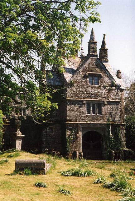 Bradstone: gatehouse