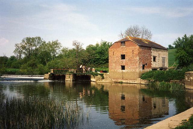 Hinton St Mary: Cutt Mill