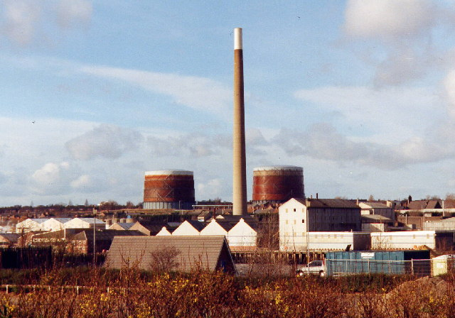 Howdon gas holders and former Cookson Matthey chimney