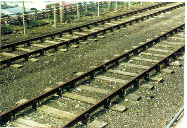 Rayner's Lane Station