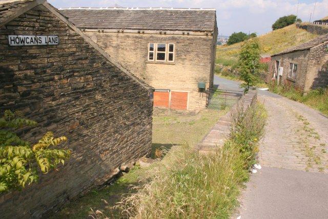 Howcans Lane, Holmfield