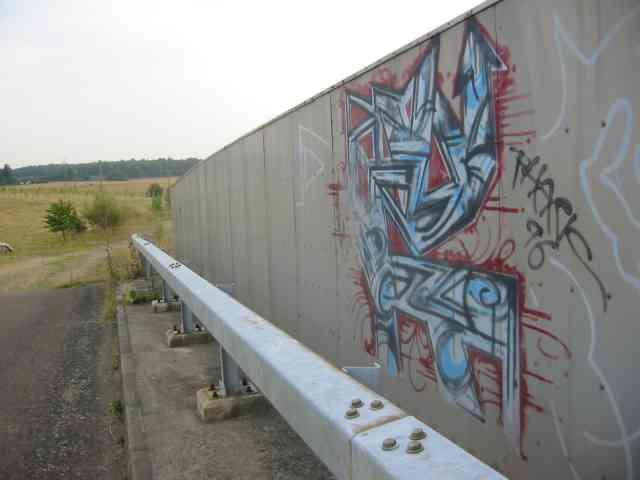 Graffiti on a bridge over M25