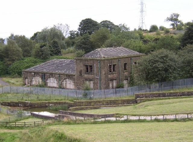Ruined buildings at Watergrove Reservoir, Wardle.