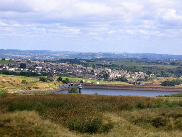 View of Stubden Reservoir from Thornton Moor Road
