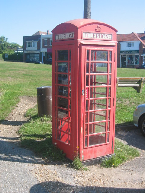 Telephone box at Milford Green