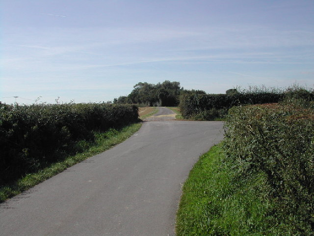 Entrance and bridleway to Stubbins Farm
