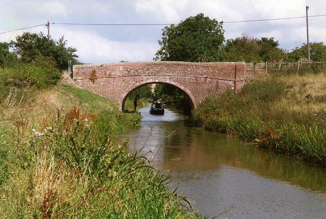 Kennet & Avon Canal: Horton Chain Bridge