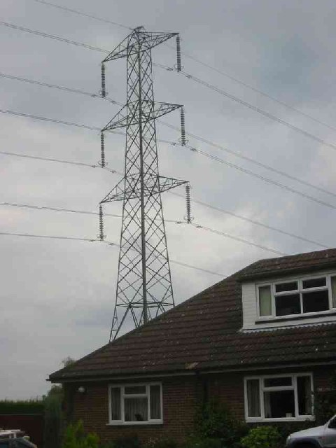 House with Pylon in Cheverells Green