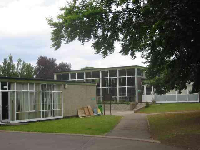 Junior School Leverstock Green
