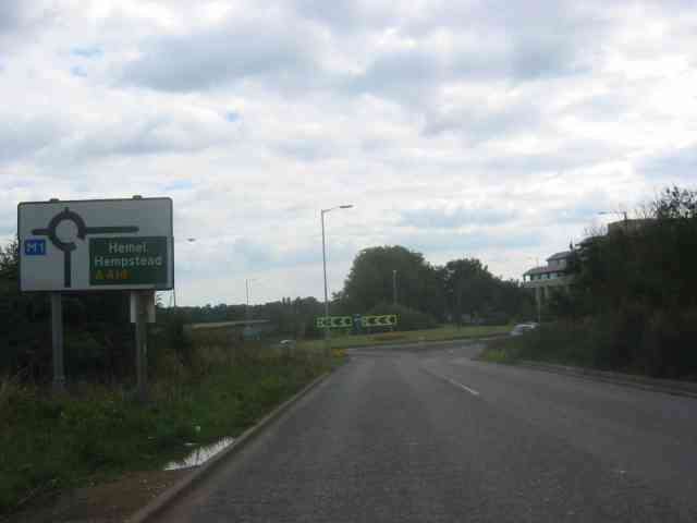 This is the last roundabout before the M1 on A414
