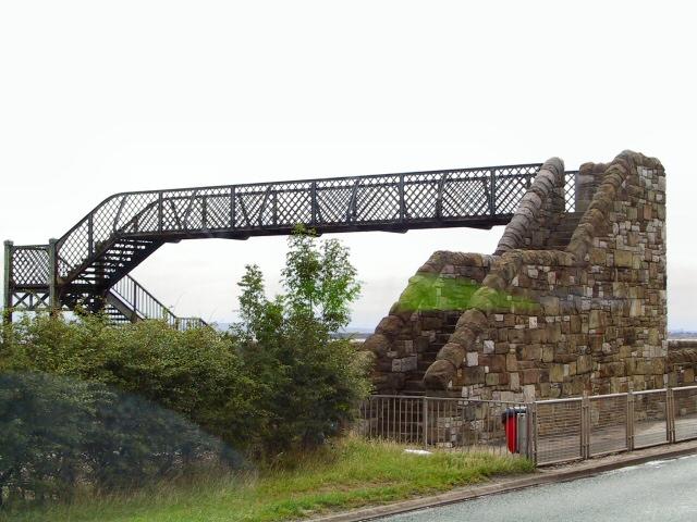 Footbridge at Ffynnongroyw