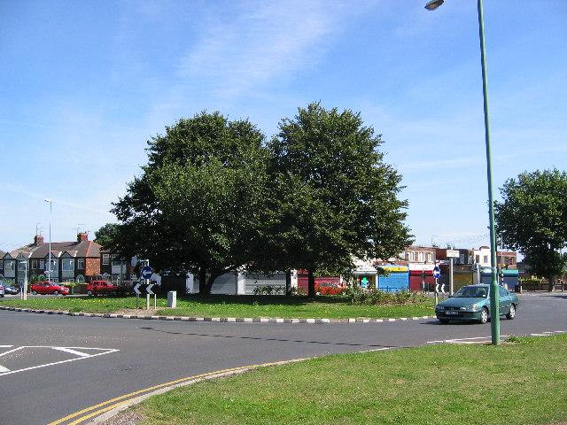 Cottingham Road, Roundabout