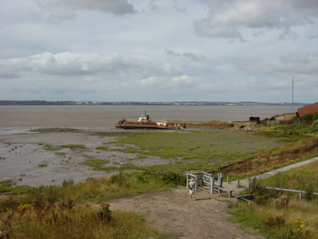 Mersey Way approaching Garston Docks