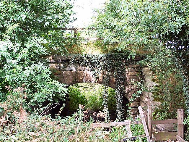 Bridge on former Otley-Pool railway