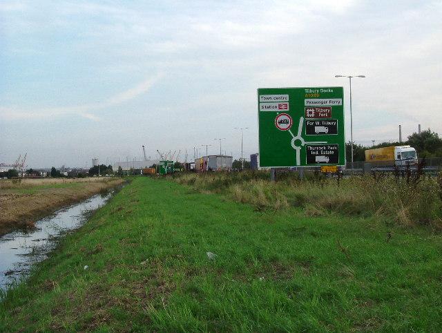 Field Drain Near The A1089
