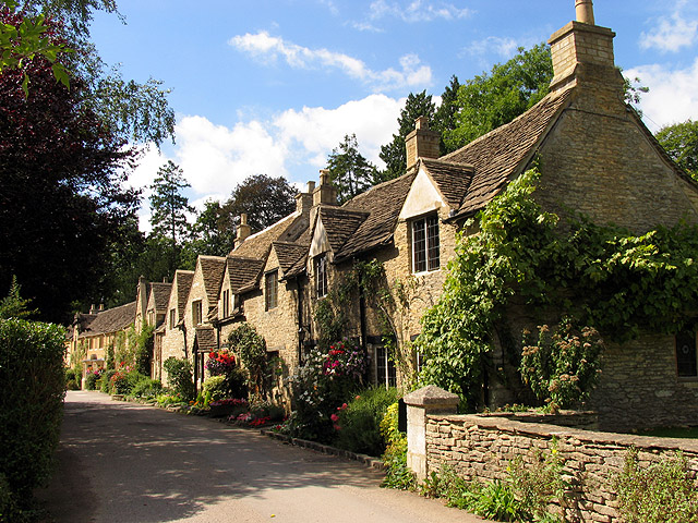 Spinsters and Weavers Cottages: Castle Combe