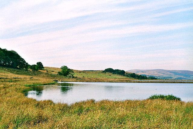 Dean Clough Reservoir, SW corner.