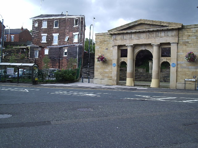 Stalybridge town hall monument