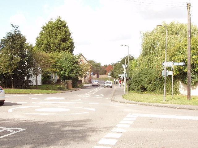Mini-roundabout in Haddenham