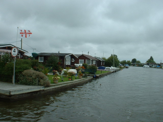 Holiday cottages on the River Thurne
