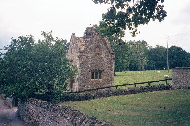 Dovehouse, Abbotswood