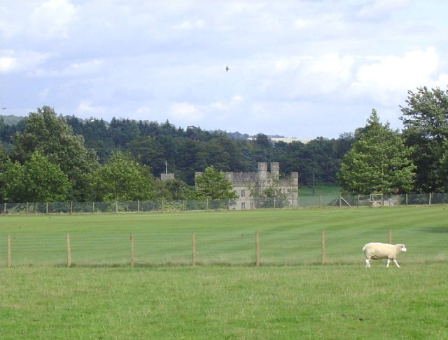 Leeds Castle from Burberry Lane