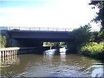 SU6570 : Bridge 18 carrying the M4 over the Kennet & Avon canal by Keith Rose