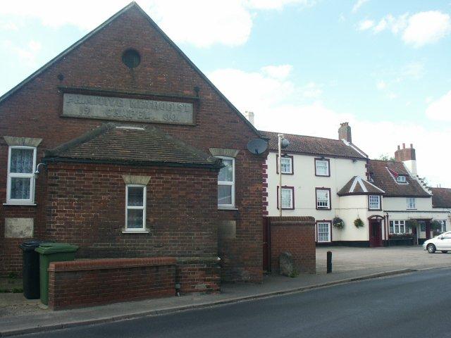 Disused chapel and pub, Mulbarton