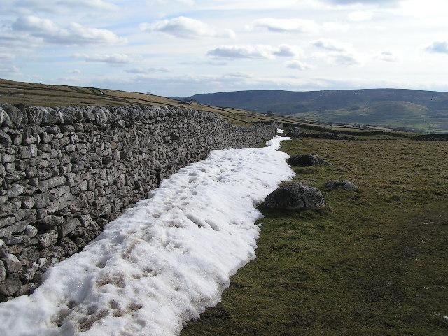 Drystone walls above Grassington
