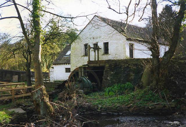 Pontllanfraith: Gelligroes Mill