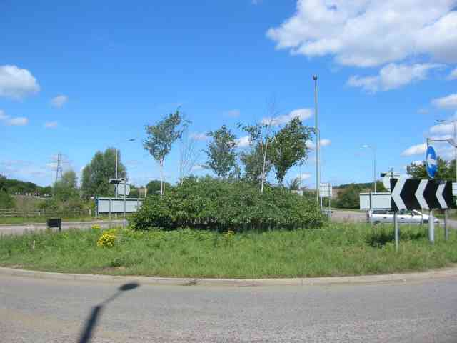 Roundabout prior to the M1 at Markyate