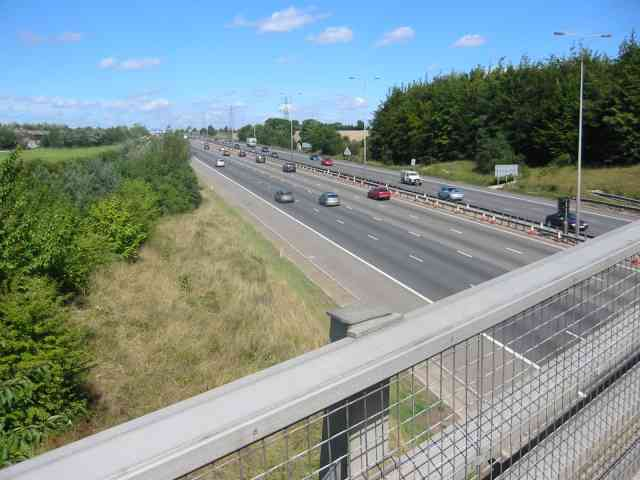 M1  Looking northwards from Watery Lane Friars Wash